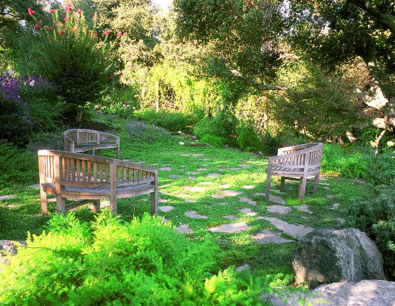 Outdoor garden rooms confidence landscaping inc for Green garden rooms